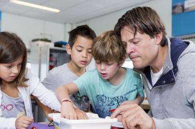 Wij proberen de jeugd zo brééd mogelijk kennis te laten maken met techniek
